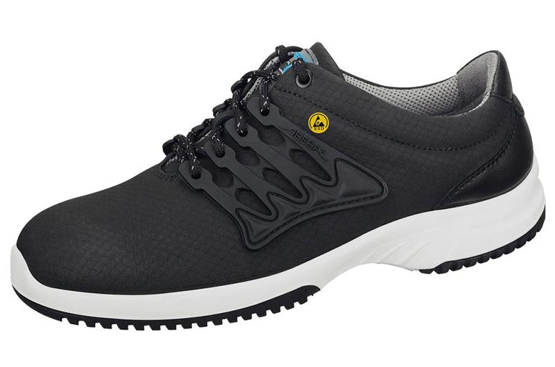 Dinger Black Shoes